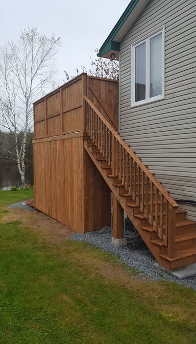 deck with railing HRM
