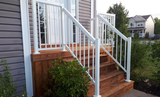 steps with aluminum railing HRM