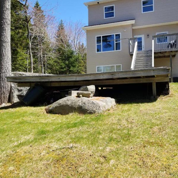 Deck with no Safety Railing
